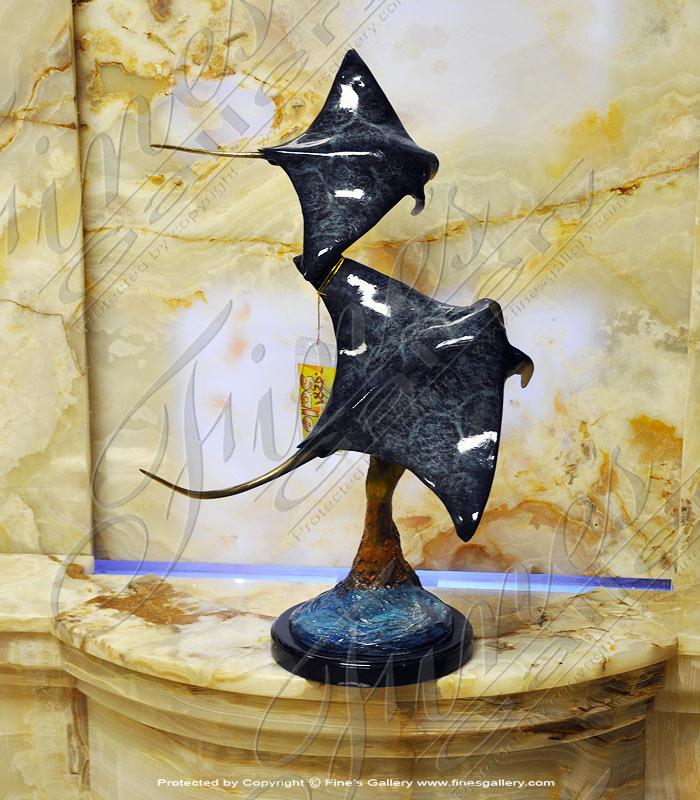 Bronze String Ray Statue